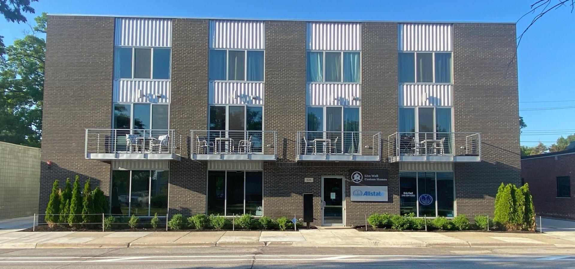 Furnished 2 Story Apartments in Downtown Royal Oak